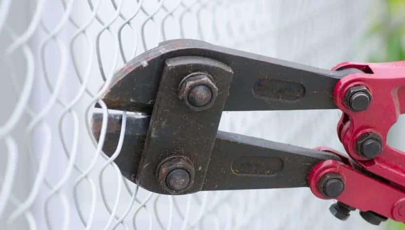 Best Bolt Cutters for cutting chain link fence